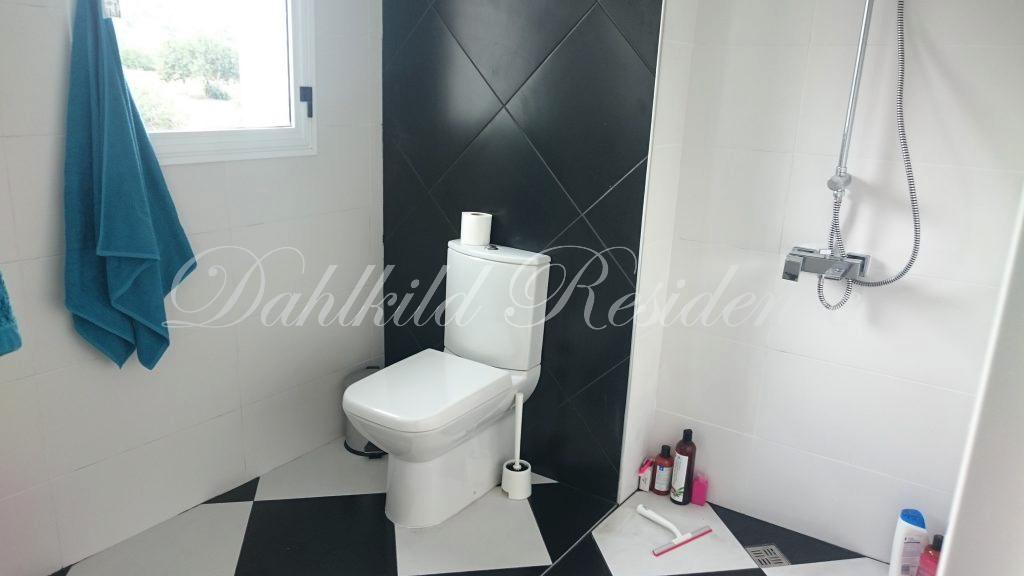 Dahlkild Penthouse - Toalett till sovrum 2