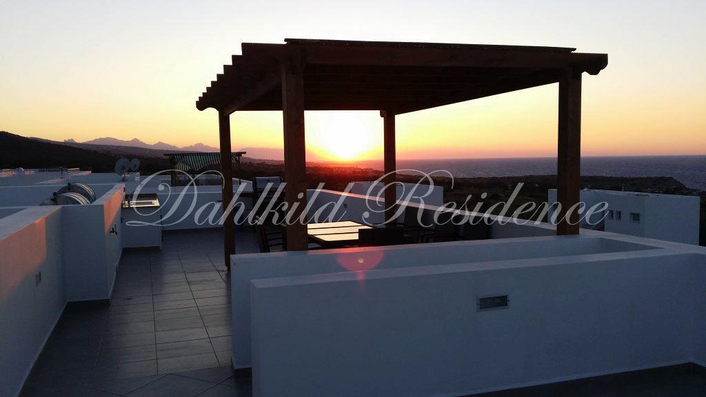 Dahlkild Penthouse - Takterass i solnedgång